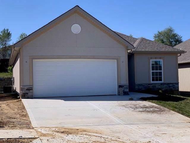 414 S Marimack Drive, Kearney, MO 64060 (#2192883) :: Clemons Home Team/ReMax Innovations