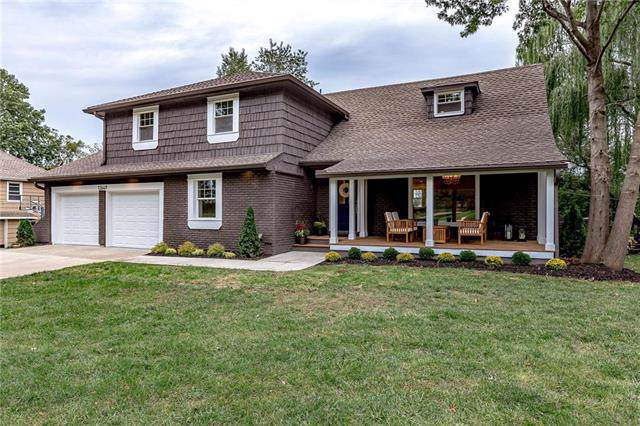12649 Overbrook Road, Leawood, KS 66209 (#2192937) :: The Shannon Lyon Group - ReeceNichols