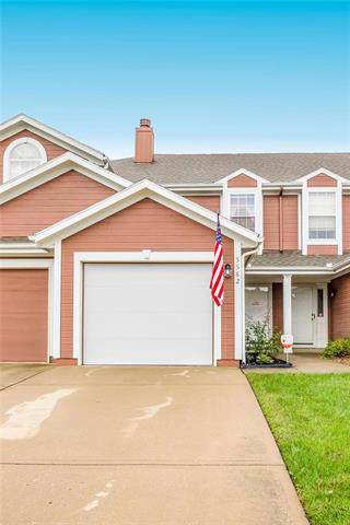 5582 NW Moonlight Meadow Drive, Lee's Summit, MO 64064 (#2193058) :: Clemons Home Team/ReMax Innovations