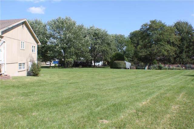 109 Maverick Circle, Peculiar, MO 64078 (#2193097) :: Kansas City Homes