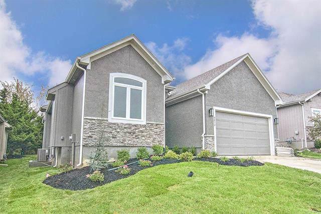 9879 Garden Street, Lenexa, KS 66227 (#2193099) :: Clemons Home Team/ReMax Innovations