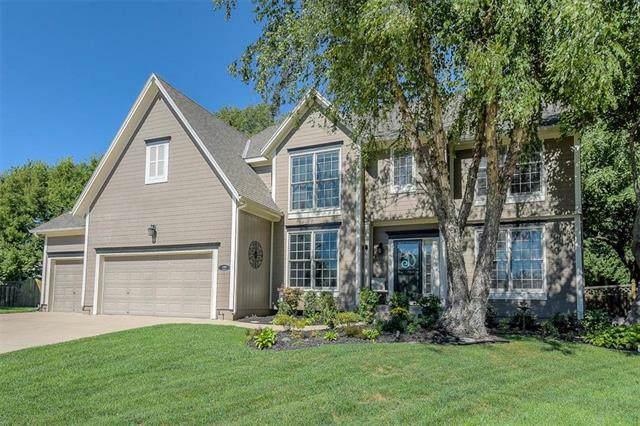 13907 Parkhill Street, Overland Park, KS 66221 (#2193104) :: Kansas City Homes