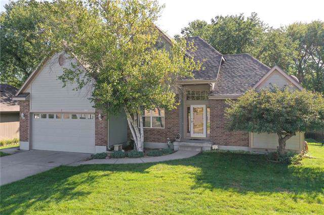 3817 SW Windsong Drive, Lee's Summit, MO 64082 (#2193137) :: Kansas City Homes
