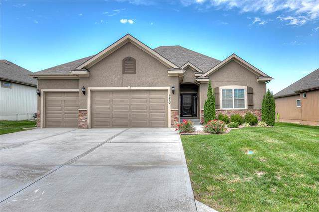 1710 NE Chapel Woods Drive, Lee's Summit, MO 64064 (#2193257) :: House of Couse Group