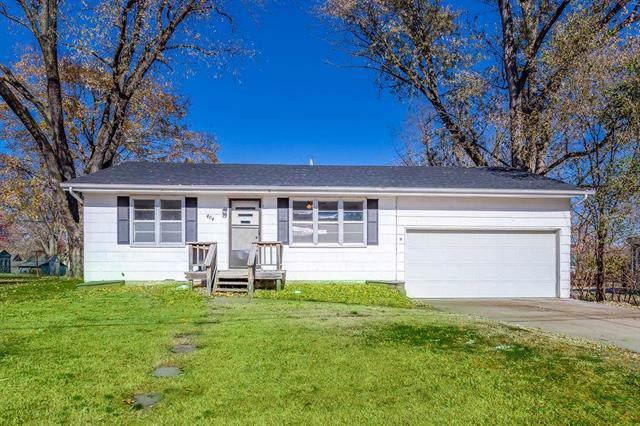 404 E Meadow Street, Smithville, MO 64089 (#2193278) :: Edie Waters Network