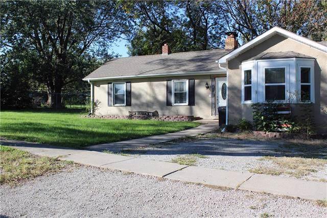 809 E 2nd Street, Cameron, MO 64429 (#2193385) :: Clemons Home Team/ReMax Innovations