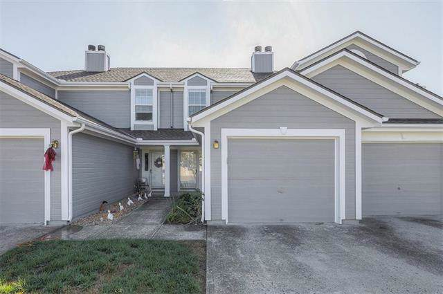 5755 NW Plantation Lane, Lee's Summit, MO 64064 (#2193392) :: Clemons Home Team/ReMax Innovations