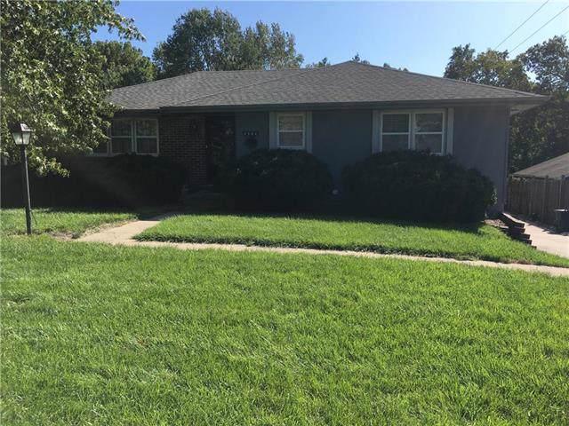 4506 Gene Field Road, St Joseph, MO 64506 (#2193420) :: Kansas City Homes