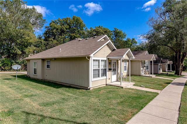 9830 E -9832 & 9834-3 E. 23 Street, Independence, MO 64052 (#2193496) :: Team Real Estate