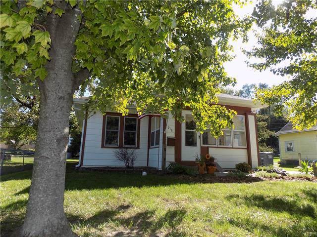 218 N Campbell Street, Pleasant Hill, MO 64080 (#2193550) :: Kansas City Homes