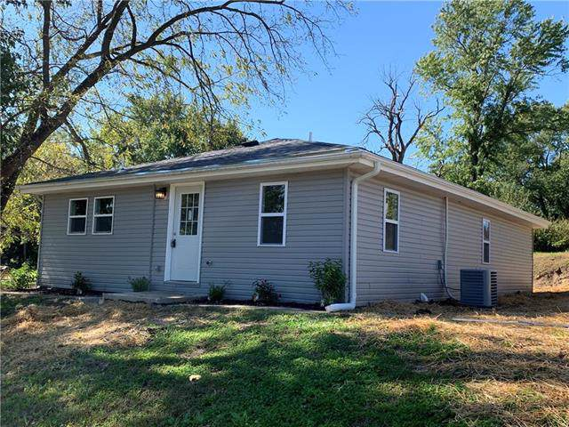 2325 Walnut Street, St Joseph, MO 64503 (#2193614) :: Kansas City Homes