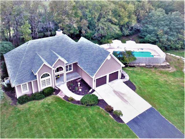 14804 Green Briar Drive, Smithville, MO 64089 (#2193665) :: Clemons Home Team/ReMax Innovations