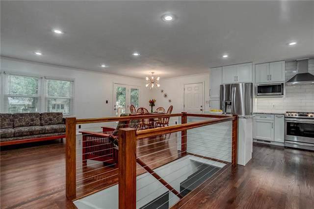 6107 W 85th Street, Overland Park, KS 66208 (#2193681) :: Dani Beyer Real Estate