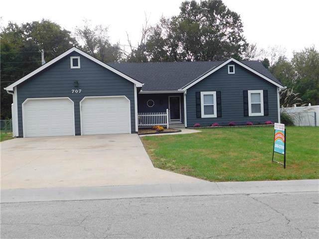 707 Oakwood Street, Harrisonville, MO 64701 (#2193682) :: Kansas City Homes
