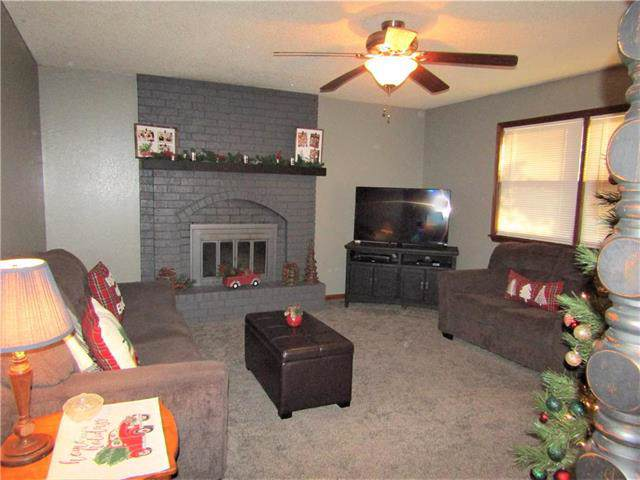 2522 Dundee Road, Lexington, MO 64067 (#2193687) :: Edie Waters Network