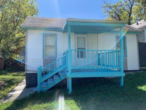 1831 E 81st Street, Kansas City, MO 64132 (#2193712) :: Kansas City Homes