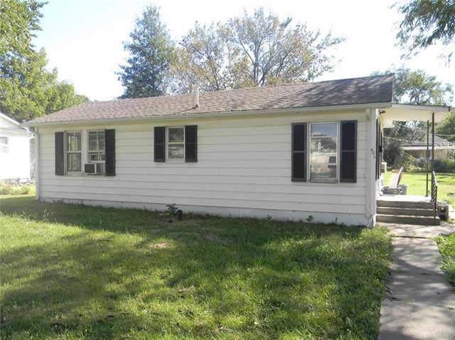 406 W South Street, Yates Center, KS 66783 (#2193823) :: Clemons Home Team/ReMax Innovations
