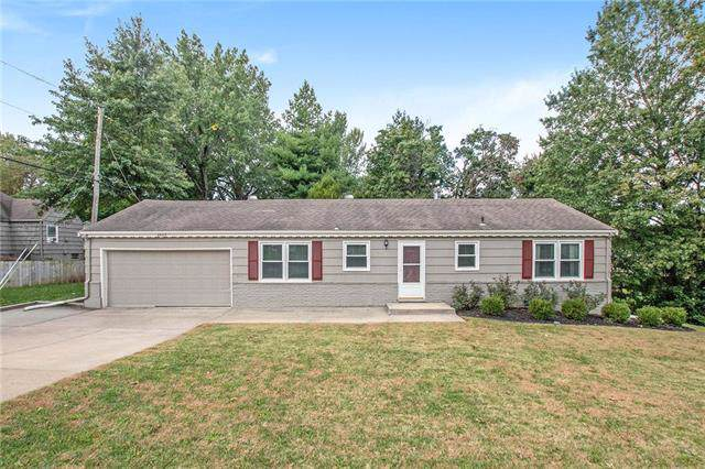 8424 State Line Road, Leawood, KS 66206 (#2193838) :: Ask Cathy Marketing Group, LLC