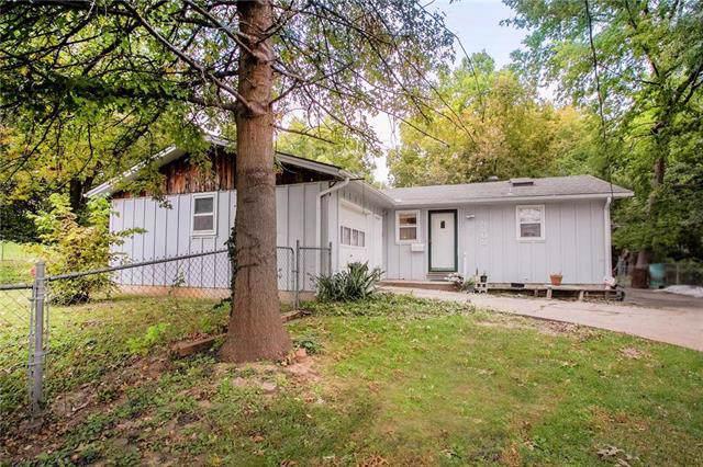 5202 Parkview Avenue, Kansas City, KS 66104 (#2194017) :: Clemons Home Team/ReMax Innovations