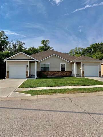 9419 N Robinhood Avenue, Kansas City, MO 64154 (#2194058) :: Dani Beyer Real Estate