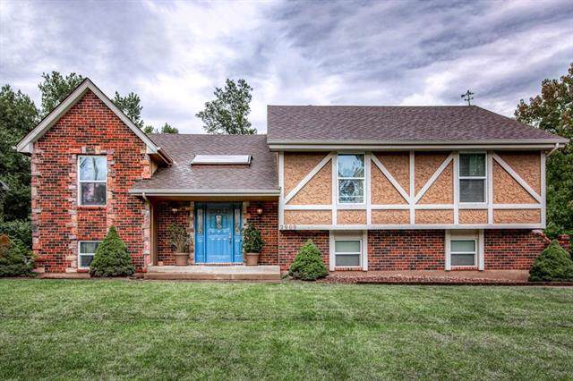 2909 Trenchard Drive, Independence, MO 64057 (#2194072) :: Kedish Realty Group at Keller Williams Realty