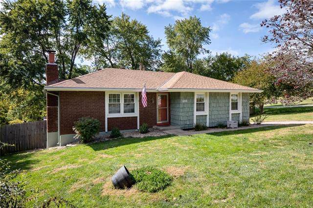 6916 NW Searcy Drive, Parkville, MO 64152 (#2194087) :: Dani Beyer Real Estate