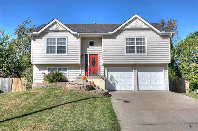 11312 N Wallace Avenue, Kansas City, MO 64157 (#2194112) :: Kansas City Homes