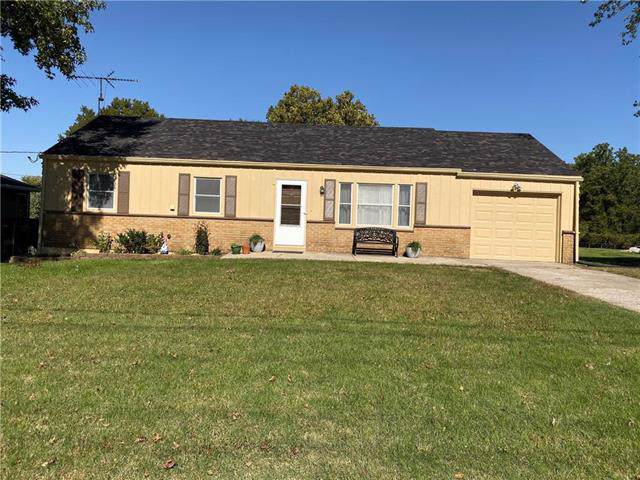 12016 W 51 Street, Shawnee, KS 66216 (#2194117) :: Kansas City Homes