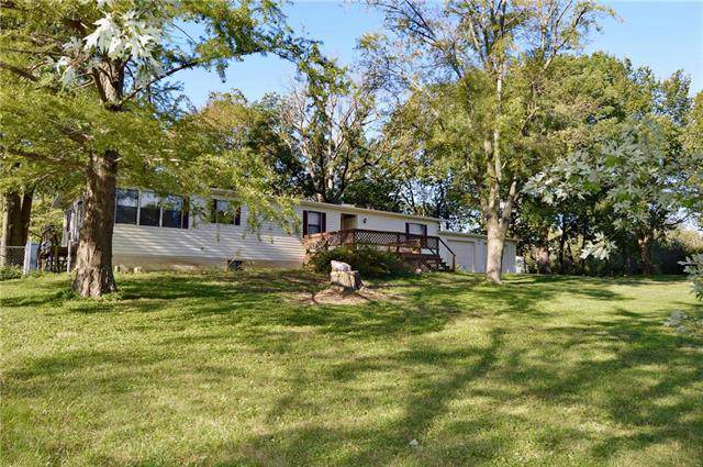 5588 SE South Lakeshore Drive, Lathrop, MO 64465 (#2194185) :: Clemons Home Team/ReMax Innovations