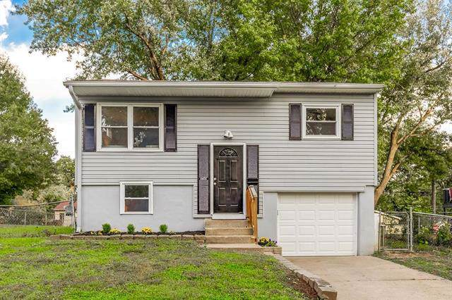 1405 Osage Trail, Independence, MO 64058 (#2194187) :: Eric Craig Real Estate Team