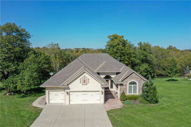 2190 W Valley Road, Olathe, KS 66061 (#2194194) :: Eric Craig Real Estate Team