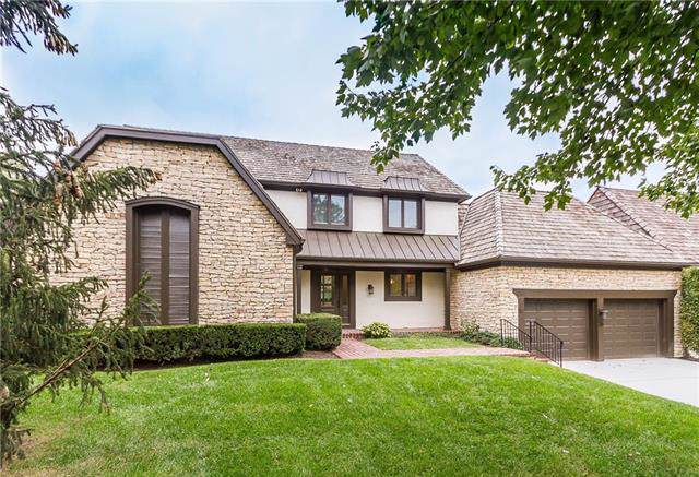 36 Le Mans Court, Prairie Village, KS 66208 (#2194230) :: The Shannon Lyon Group - ReeceNichols