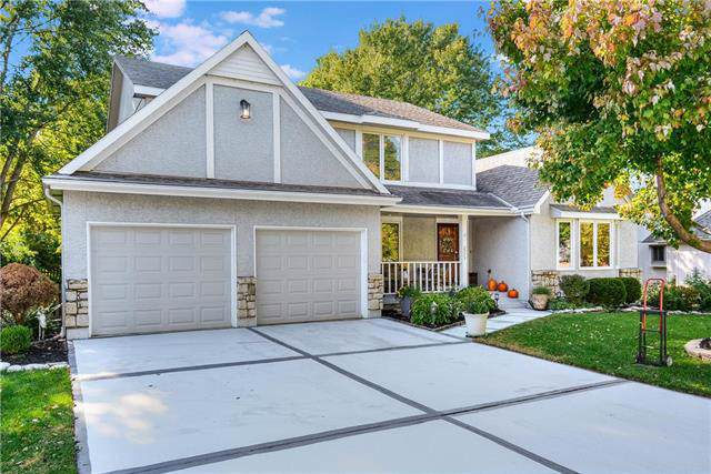 2273 NW Summerfield Drive, Lee's Summit, MO 64081 (#2194280) :: Clemons Home Team/ReMax Innovations