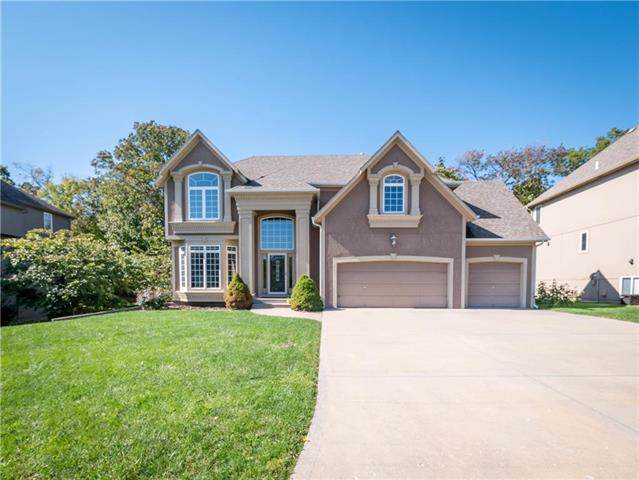 5820 NE Holiday Drive, Lee's Summit, MO 64064 (#2194290) :: Kansas City Homes