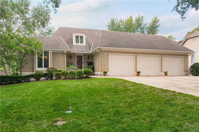 8005 W 114th Terrace, Overland Park, KS 66210 (#2194337) :: Kansas City Homes
