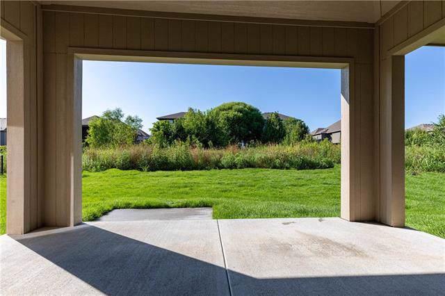 11430 S Longview Road, Olathe, KS 66061 (#2194355) :: Team Real Estate