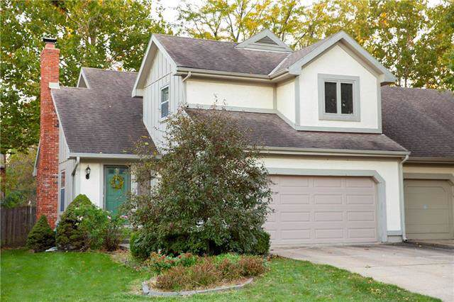 10731 W 115th Place, Overland Park, KS 66210 (#2194370) :: Edie Waters Network