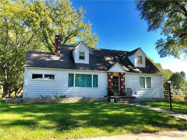 1401 Grand Avenue, Leavenworth, KS 66048 (#2194390) :: Edie Waters Network