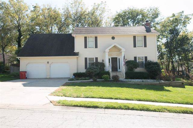 1412 NW Fox Ridge Drive, Blue Springs, MO 64015 (#2194392) :: Kansas City Homes