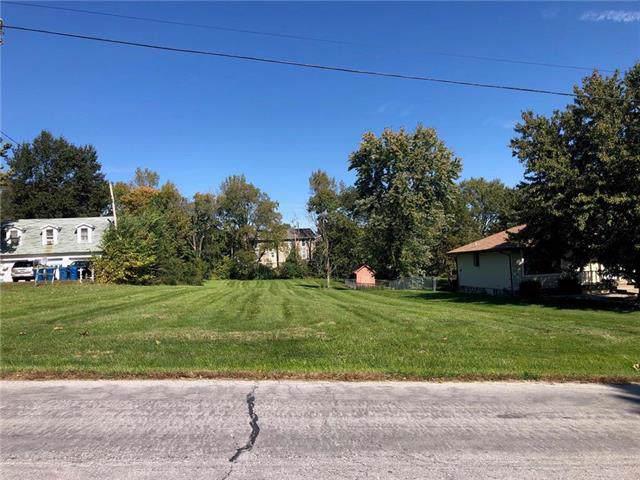 3006 NE 57th Terrace, Gladstone, MO 64119 (#2194395) :: Kansas City Homes
