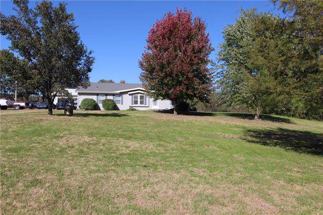 23268 Reno Road, Tonganoxie, KS 66086 (#2194433) :: Edie Waters Network