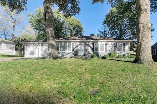 10201 Maple Drive, Overland Park, KS 66207 (#2194435) :: Team Real Estate