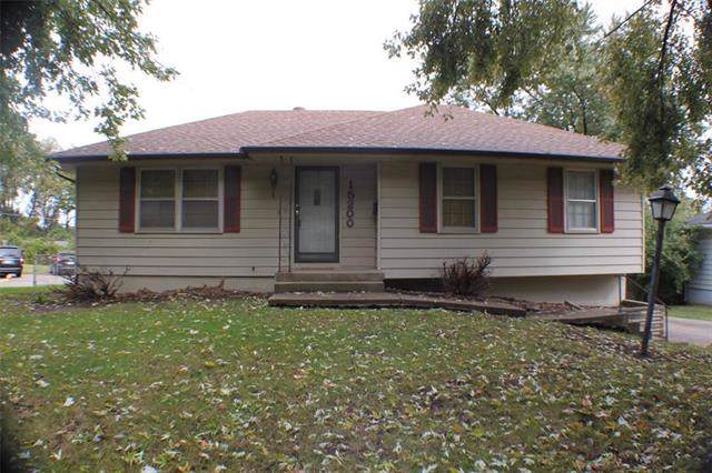 15200 E 33rd Street, Independence, MO 64055 (#2194441) :: Edie Waters Network