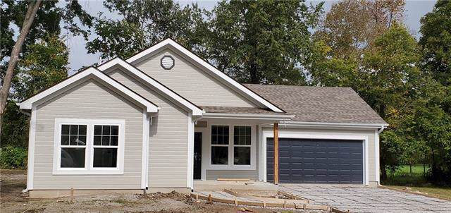19020 E 8th Street, Independence, MO 64056 (#2194455) :: Edie Waters Network