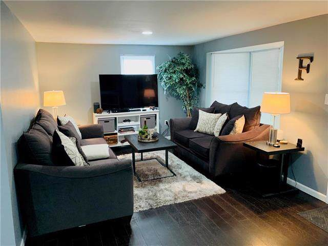1403 S Logan Street, Independence, MO 64055 (#2194469) :: Kansas City Homes