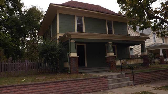 214 E Brown Street, Liberty, MO 64068 (#2194476) :: Clemons Home Team/ReMax Innovations