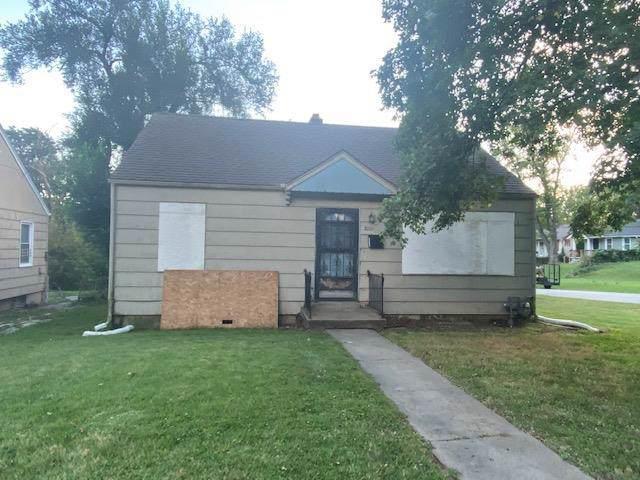 3001 E 73rd Street, Kansas City, MO 64132 (#2194544) :: Clemons Home Team/ReMax Innovations
