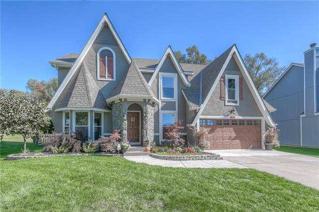 812 S Valley Drive, Lansing, KS 66043 (#2194552) :: Team Real Estate