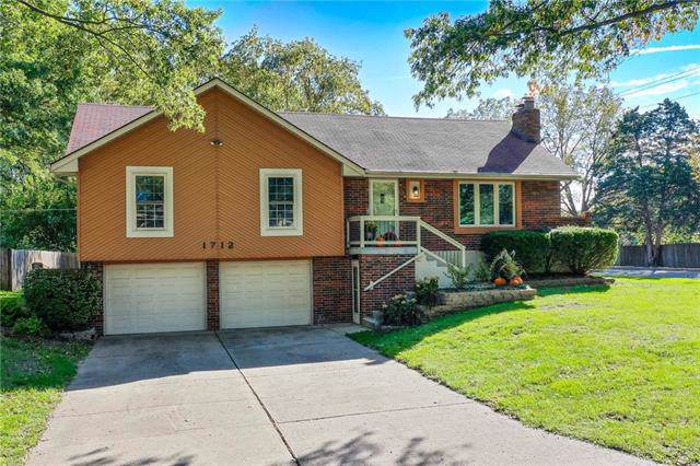 1712 SW 20th Street, Blue Springs, MO 64015 (#2194558) :: Clemons Home Team/ReMax Innovations