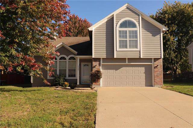 2520 SE Winchester Drive, Lee's Summit, MO 64063 (#2194578) :: Clemons Home Team/ReMax Innovations